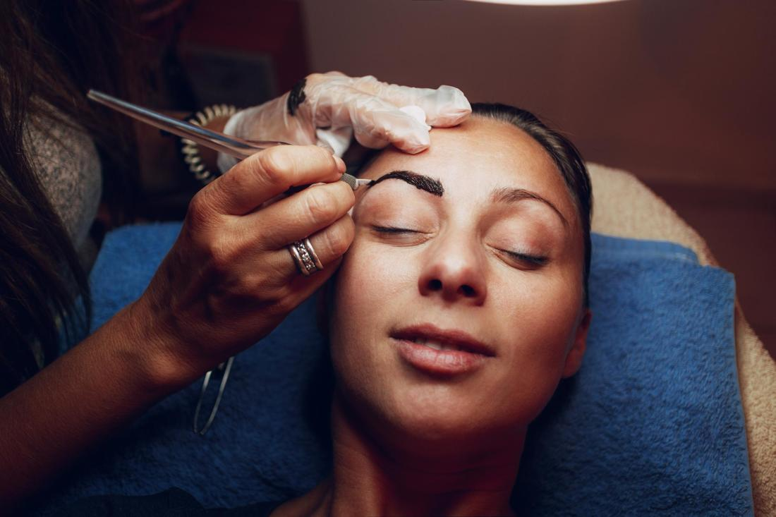 This is a picture of a microblading eyebrows and doing annual touch ups.  Edmonton Microblading